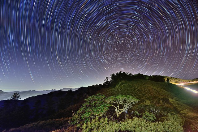 Star trails at Mountai Hehuam 合歡山星軌