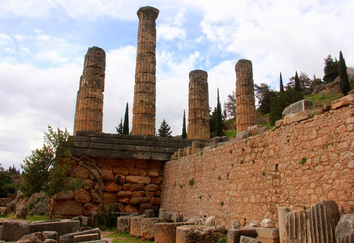 #travelbloggerindia #greecetourism #europe #delphi