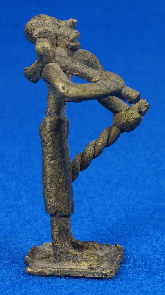RD15105 4 Vintage African Hand Made Folk Art Primitive Figurines Solid Cast Brass Burkina Faso Yoruba West Africa DSC07124