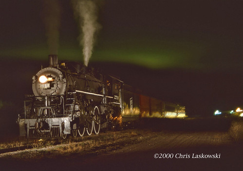 Soo 2719 with Northern Lights Spooner WI 10-2-2000