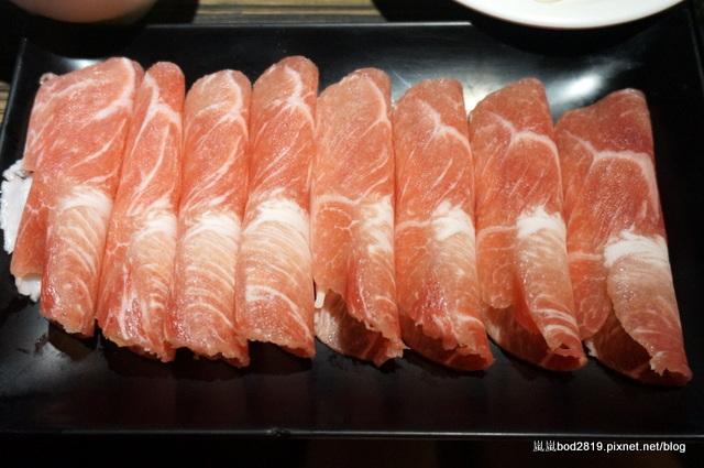 14438530547 d501255a73 o - 【台中東海】咕嚕咕嚕-餐廳氣氛佳,鍋物不貴,壽喜燒可任選兩種肉!