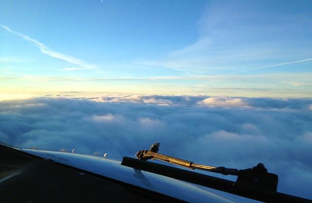 Poranek nad chmurami