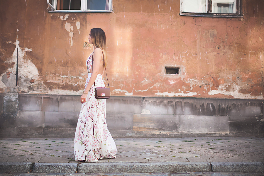 fashion-blogger-outfit-nika-huk-Ника-Гук-maxi-dress-floral-print