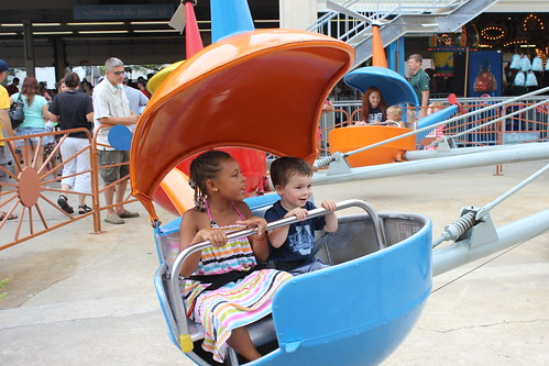 Rehobeth Beach - Funland - Mya and Sagan on Helicopter