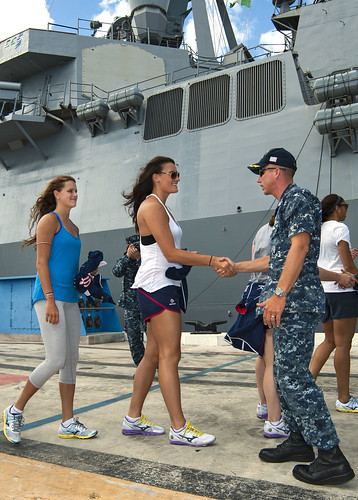 USS Paul Hamilton Welcomes U.S. Women's National Volleyball Team