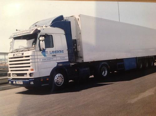 #14 - Scania 143 450 Derek Champion