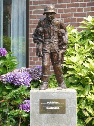 Estatua de Karl Heinz Rosch