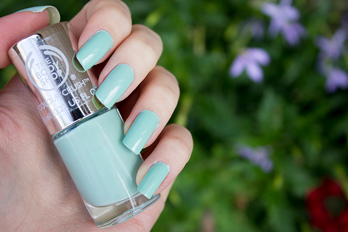 The Body Shop Colour Crush Nail Polish in Mint Cream