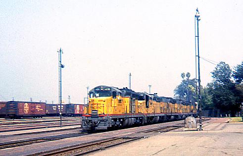 california up trains unionpacific railroads sanbernardino emd sd24