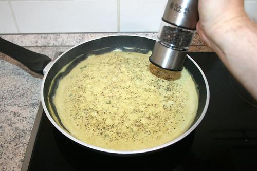 32 - Mit Pfeffer abschmecken / Taste with pepper