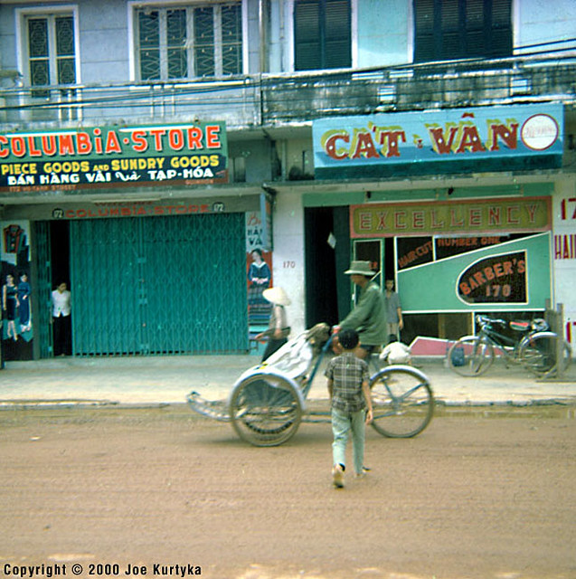 Downtown QUI NHON 1966-67 - Pedicab in the business section.