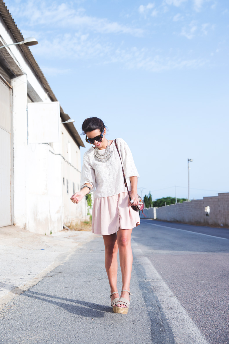 Light_Pink_Skirt-Lace_Top-Street_style-Outfit-15