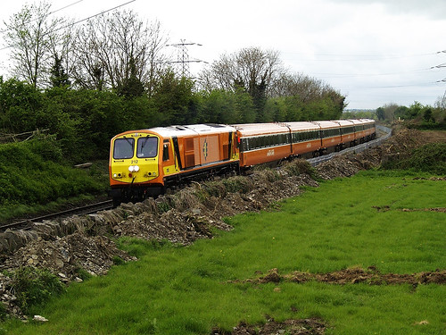 railroad railway irishrail mk3 emd iarnrodeireann jt42hcw ie201 ie201class brelmk3 stacumnybridge ie212