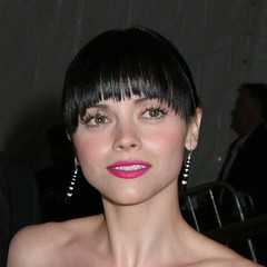 christina ricci bowl haircut