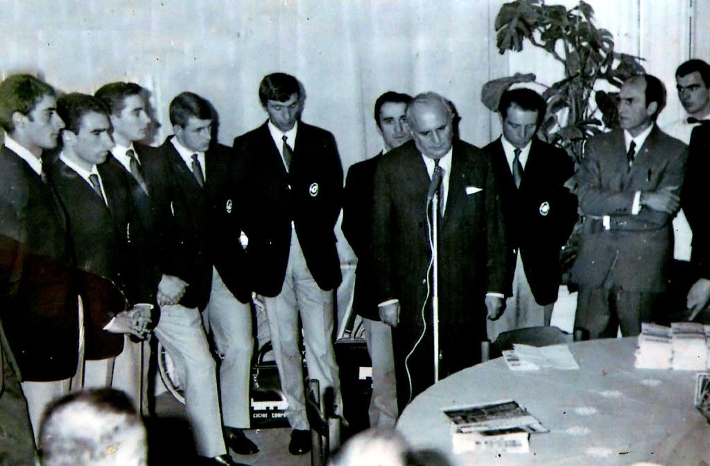 Presentazione Ferretti 1969 da sin. Donati, Davo, Kindt, Van Vlieberghe, Rota, Turrini, Rodoni (FCI), Pifferi e Martini