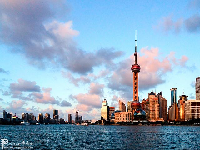 The Oriental Pearl TV Tower 东方明珠塔 [iPhone 5S]