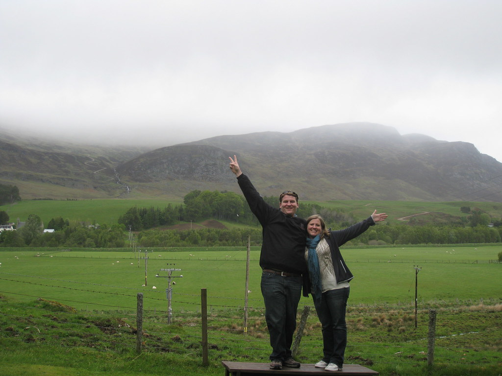 Josh-Liz-stopping-off-for-detour-to-Geocache-Northern-Scotland