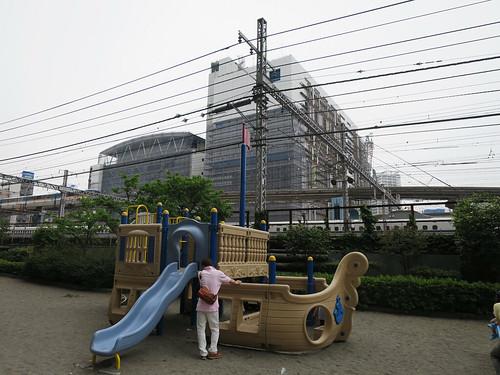 とらちゃんと本芝公園(港区)