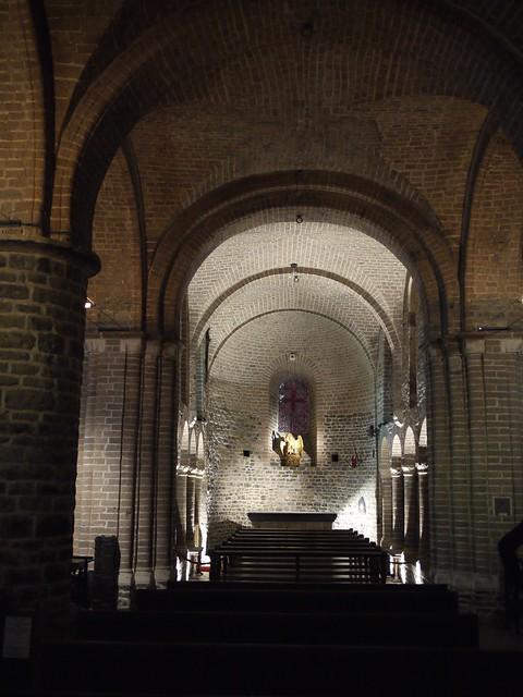 belgium_brugge_basilica-of-the-holy-blood4