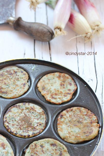 kremidotiganites-frittelle cipolle-onion fritter    <a href=
