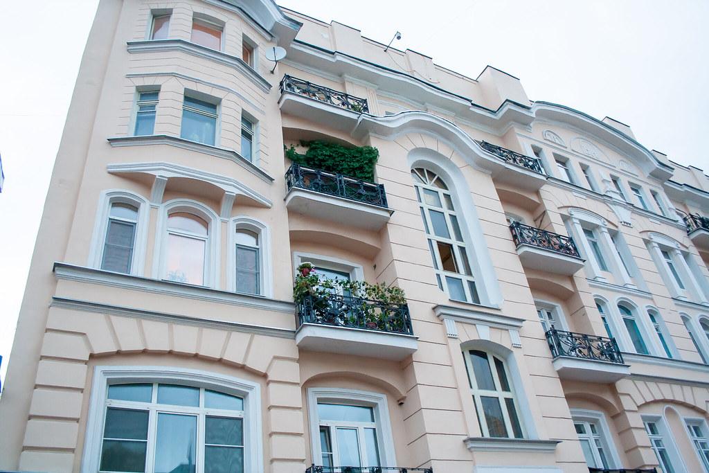 Москва. Центр. На старом арбате местами прям старая Европа