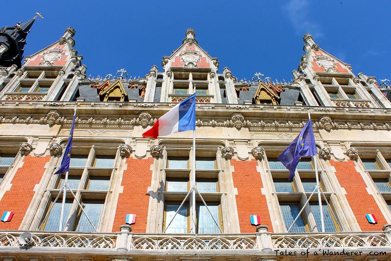 CALAIS - Place du Soldat Inconnu - Hôtel de Ville