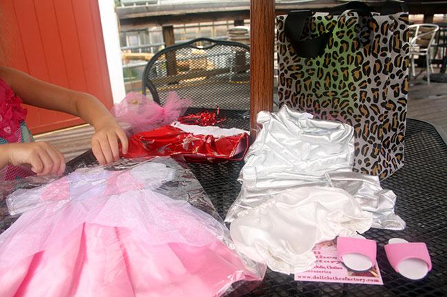 Autties-ag-clothes