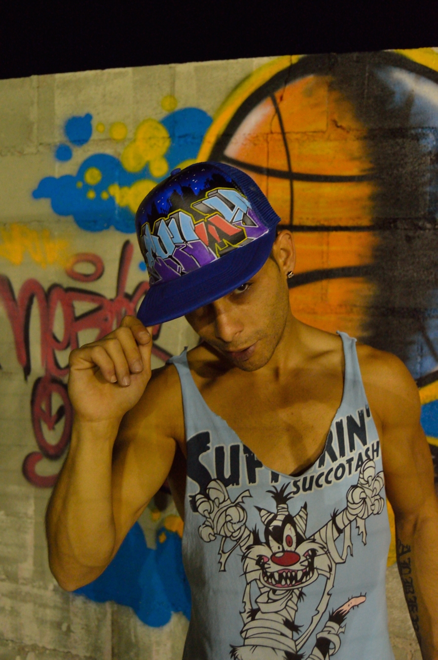 lara-vazquez-mad-lula-style-look-chumy-rocks-his-cap