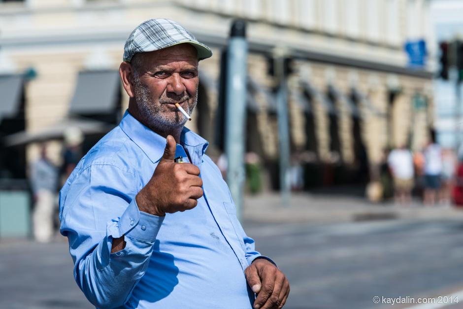 Житель Хельсинки на рынке
