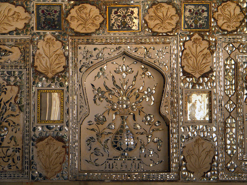 Mirrors in Decorative Plaster at Amber Palace