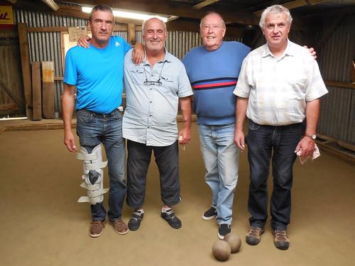 24/08/2014 - Kerlanguis (Kermouster en Plougasnou) : Les finalistes du concours de boules plombées en doublettes mêlées