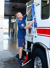 Engineer Lon Eder washing E206 leaving it in perfect shape for E206 B shift