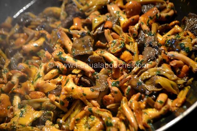 Jarrets de Porc à la Bière Sur Lentilles aux Chanterelles © Ana Luthi Tous droits réservés 008