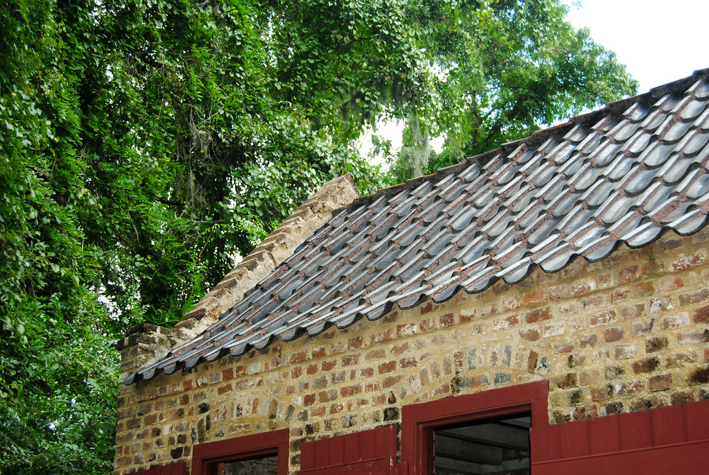 Boone Hall Plantation_slave house_roof
