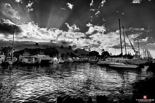 sky bw nature monochrome clouds sunrise reflections landscape outdoors hawaii blackwhite nikon scenic maui pacificocean fullframe fx lahaina frontstreet d800 waterscape westmauimountains lahainaharbor nikond800 afsnikkor1635mmf4gedvr