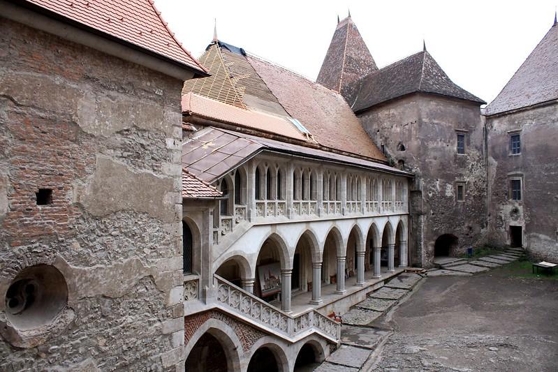 """Hunedoara - Romania """"Castelul Corvinilor"""" cortile"""