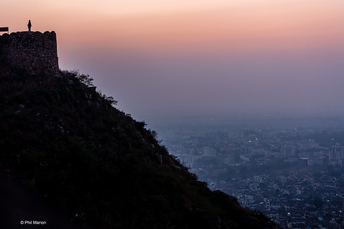 Watching sunset over Jaipur from Nahargarh Fort | by Phil Marion