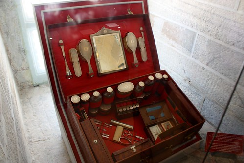 antique royal grooming kit