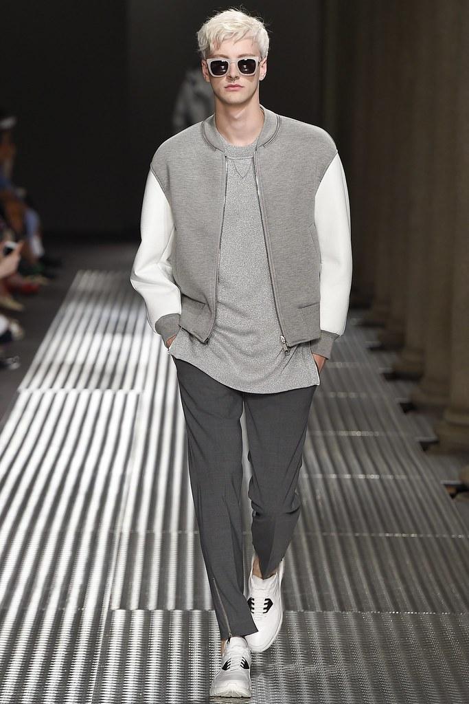 SS15 Milan Neil Barrett009_Benjamin Jarvis(VOGUE)