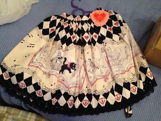 FS: MINT BTSSB Alice and her black cat skirt