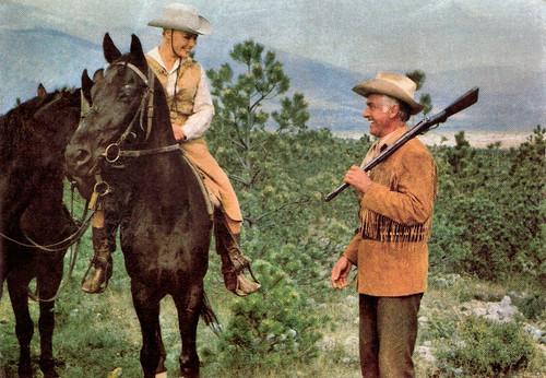 Elke Sommer and Stewart Granger in Unter Geiern