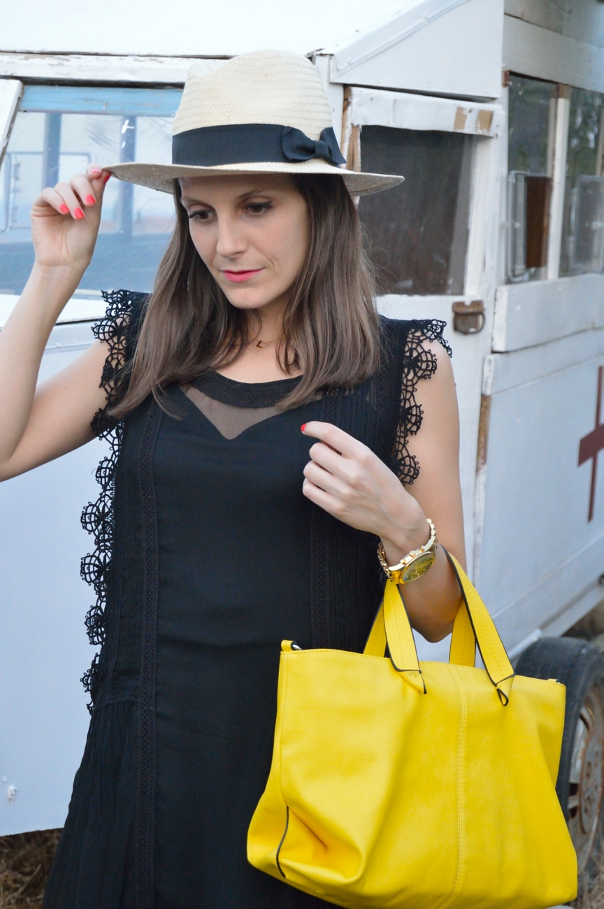 lara-vazquez-mad-lula-fashion-style-look-yellow-bag