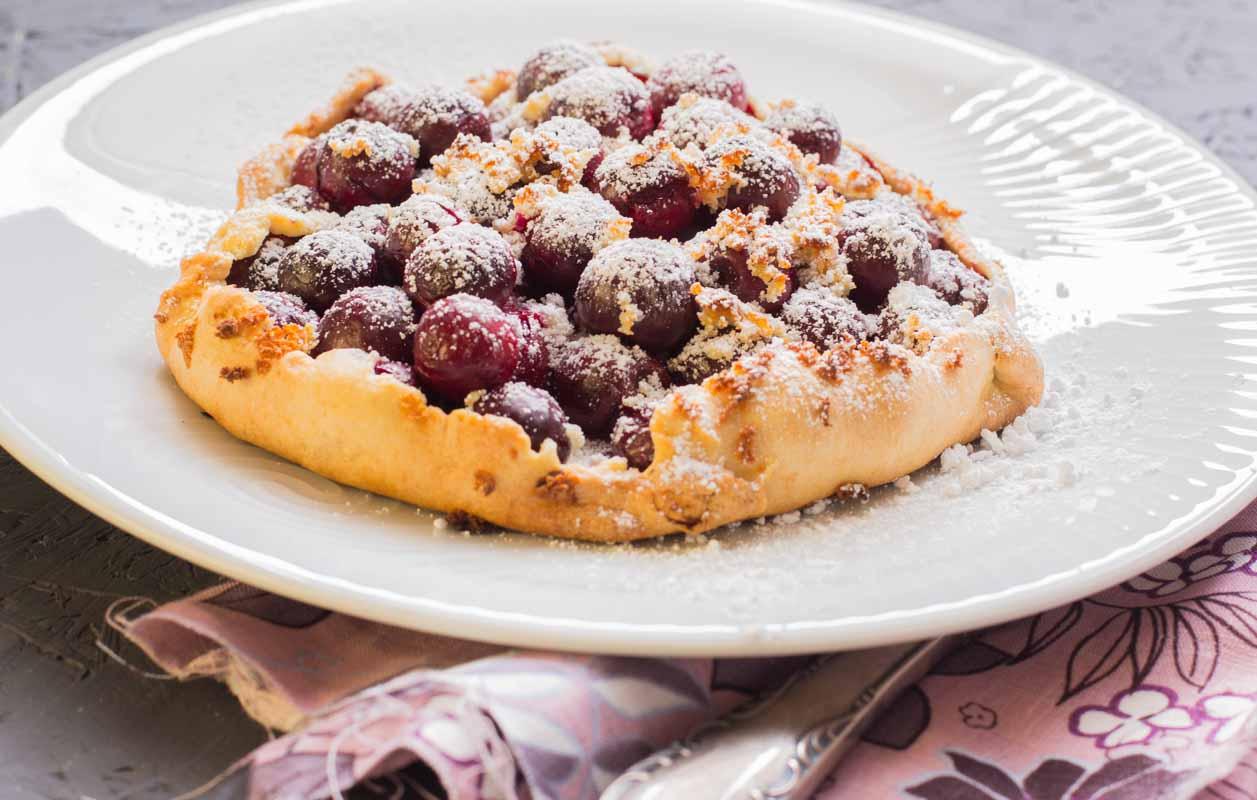 Tarte- Kirschen mit Marzipan