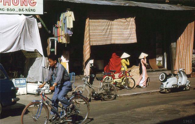 DA NANG 1962 - Street scene