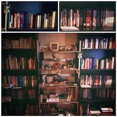 Luego de años de espera mi sala de lectura en la casa de la abuela está casi listo!   Ya puse la mitad de los libros! Mañana término con la otra pared!   Sólo me hace falta comprar el sillón ideal para leer! Algunas Sugerencias?