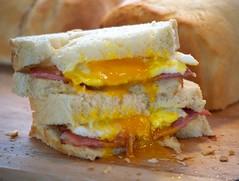 sandwich, meal, lunch, breakfast, ham and cheese sandwich, muffuletta, meat, food, dish, breakfast sandwich, cuisine,