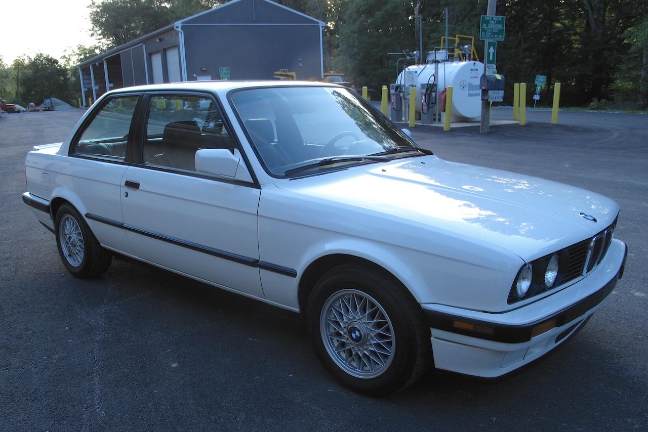 1991 E30 318is Alpine White Excellent Condition 5900