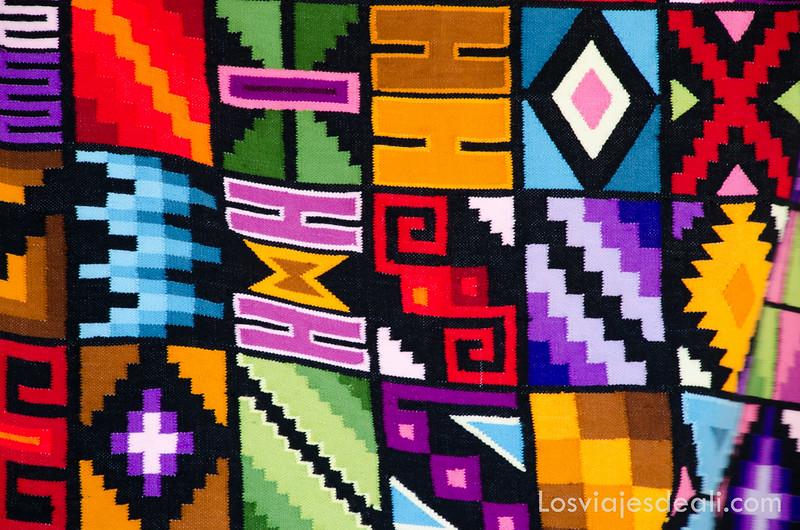 textiles peruanos en el valle sagrado de los incas