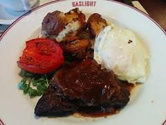 gravy, meal, breakfast, steak, salisbury steak, beef tenderloin, food, dish, cuisine,