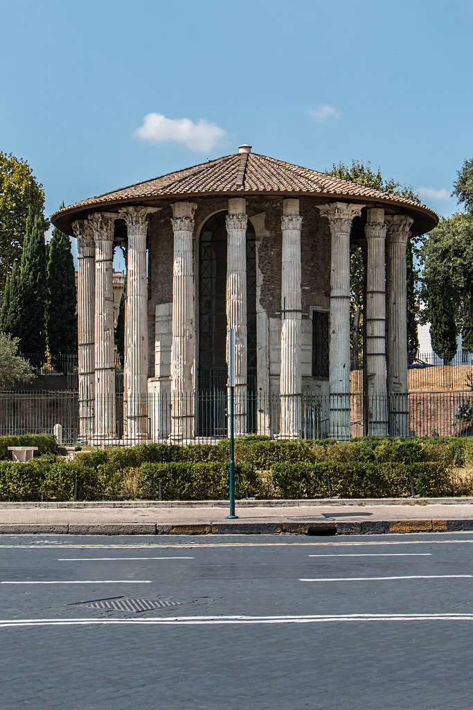 The temple dates from some time in the late 2nd century to the early 1st BCE